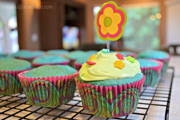 Easy Blue Velvet Cupcakes