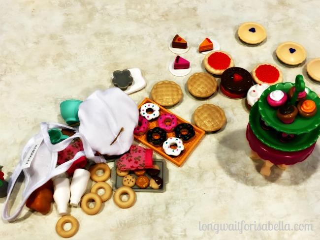 Lil Woodzeez Bakery Set pieces